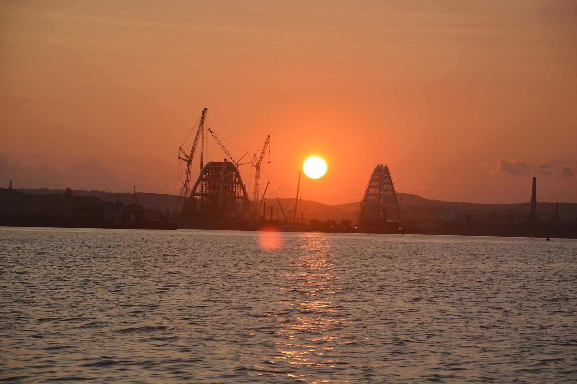 Автомобильные подходы кКрымскому мосту готовы на75 процентов