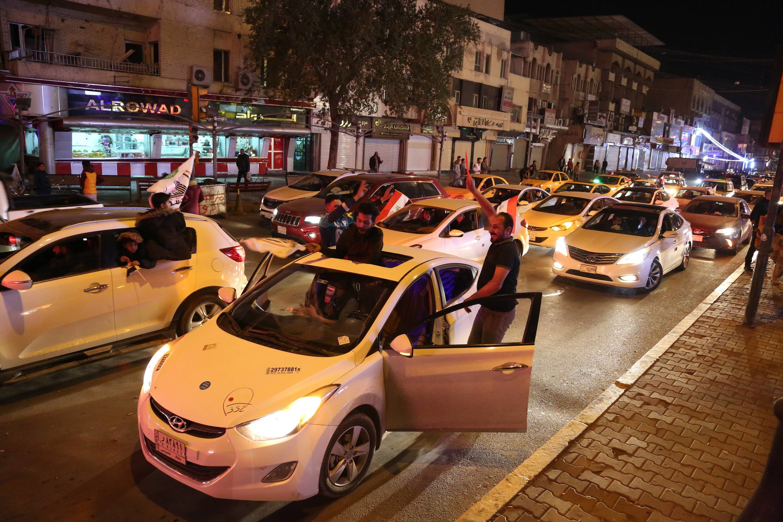 ВБагдаде своенным парадом празднуют победу надИГ
