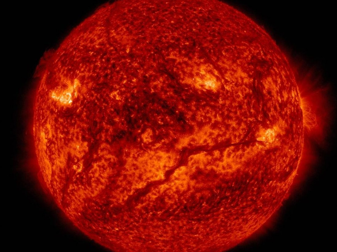 Ученые: ежели Солнце потухнет насутки, Земля начнет гибнуть