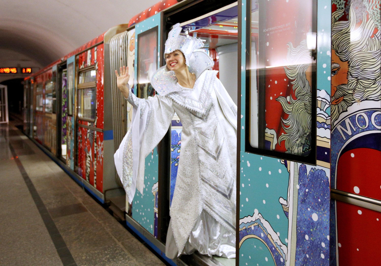 Собянин: столичное метро иМЦК будут работать всю новогоднюю ночь