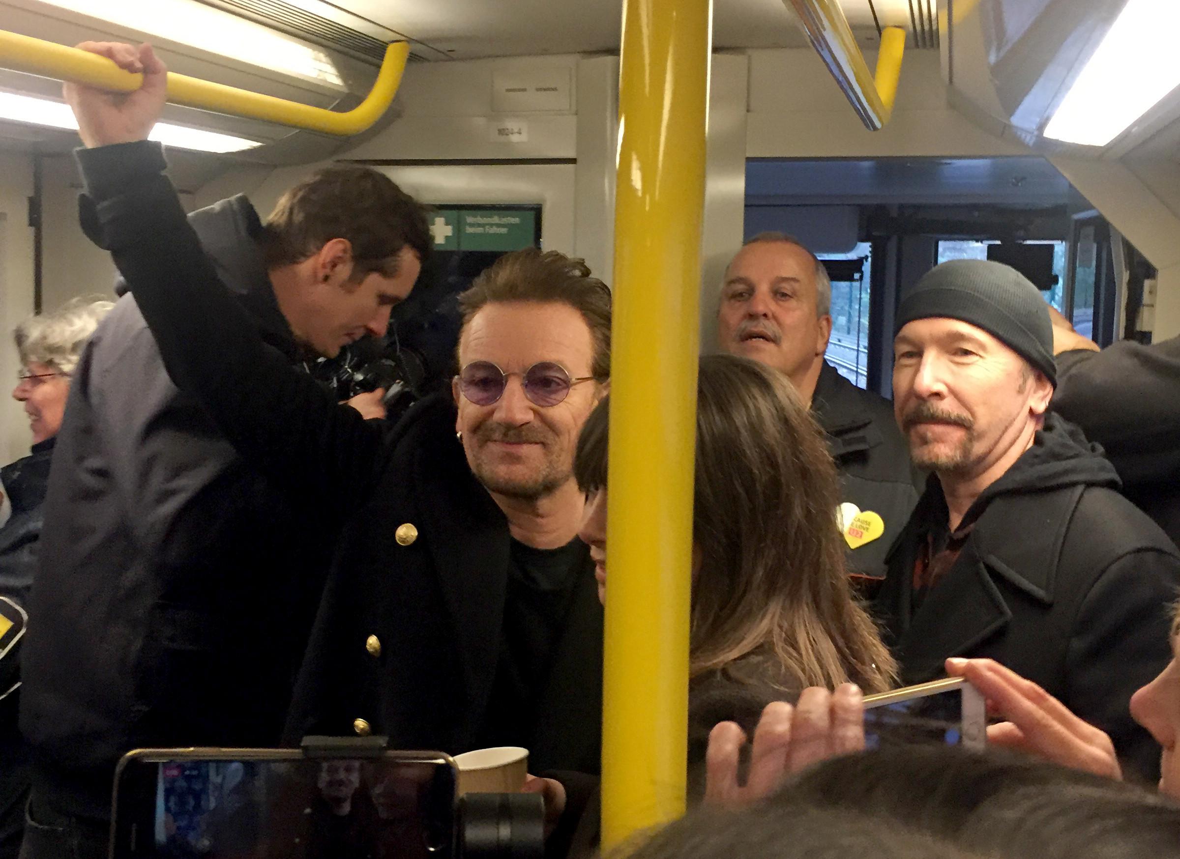 Группа U2 выступила в берлинском метро
