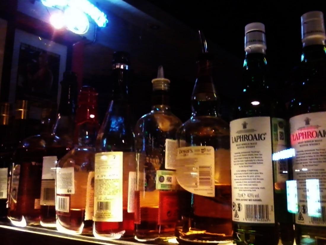 Власти Шри-Ланки разрешили женщинам покупать спирт