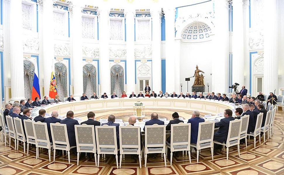 Путин призвал изучить работу инокомпаний вглобальной web-сети  перед выборами
