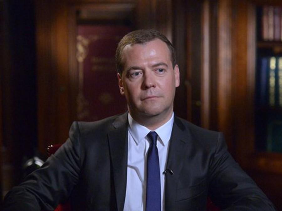 Д. Медведев пожелал россиянам вбудущем году новых возможностей