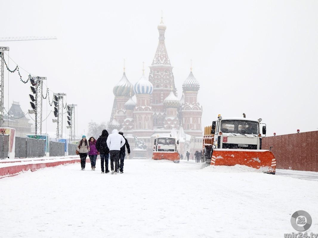 Мокрый снег итемпература около ноля градусов ожидаются в столицеРФ