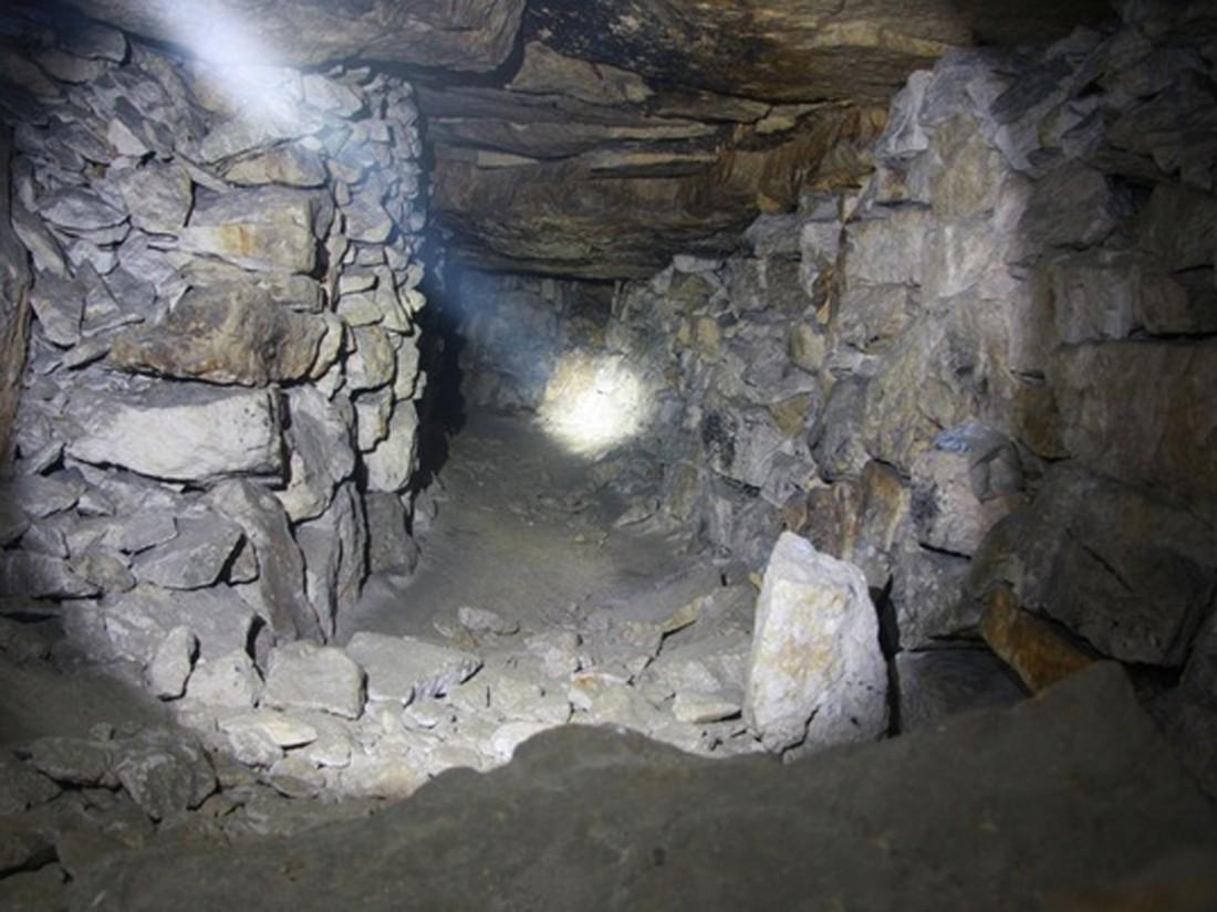 Иззадымленной шахты вКузбассе экстренно выводят горняков