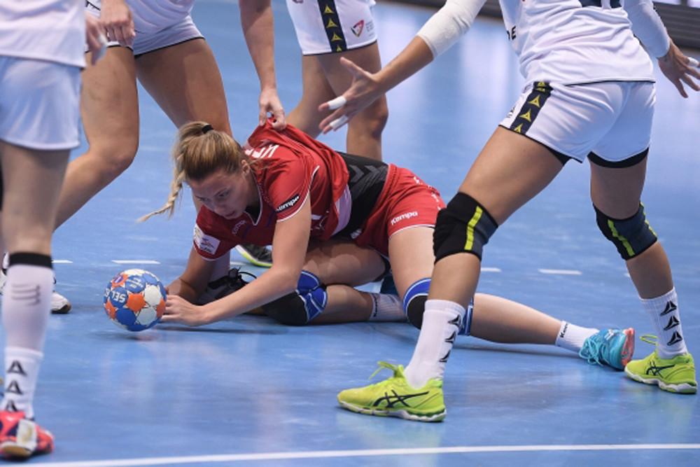 Сборная России по гандболу с разгромным счетом уступила норвежкам на ЧМ