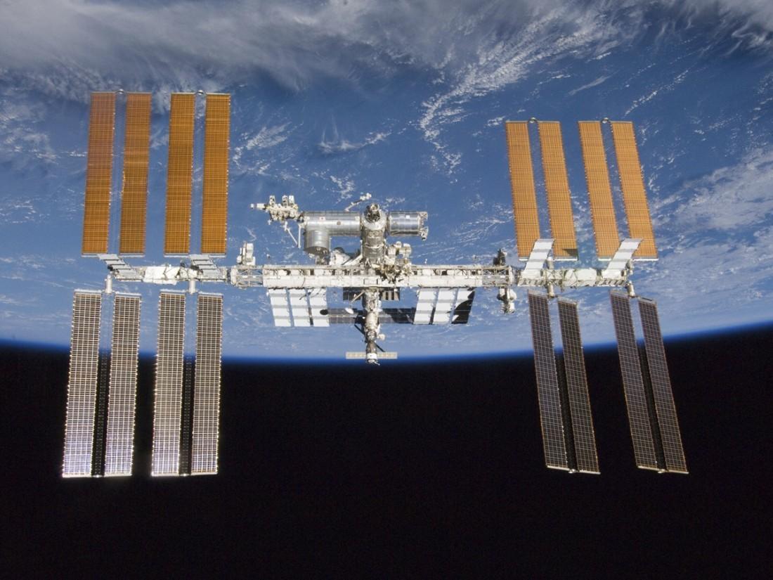 Ученые пересчитали космических микробов на МКС