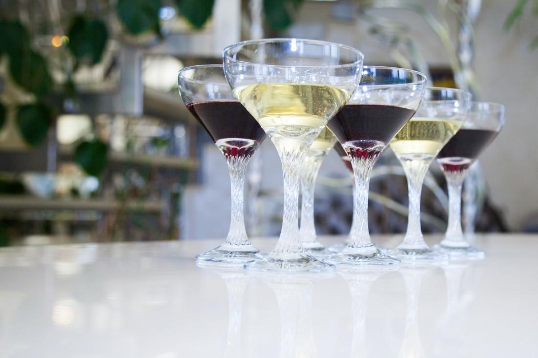 Как определить и выбрать хорошее красное и белое вино