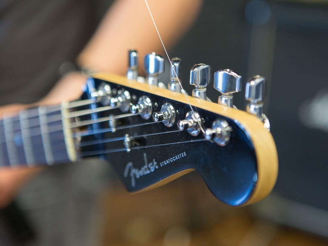 Гитара рок-музыканта Джорджа Харрисона выставлена наторги