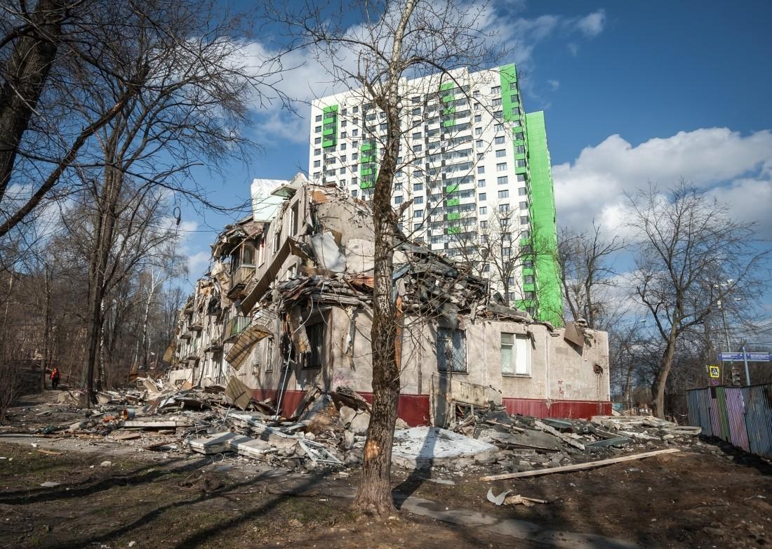 Программу реновации в новейшей столице России обещали закончить в 2025-ом