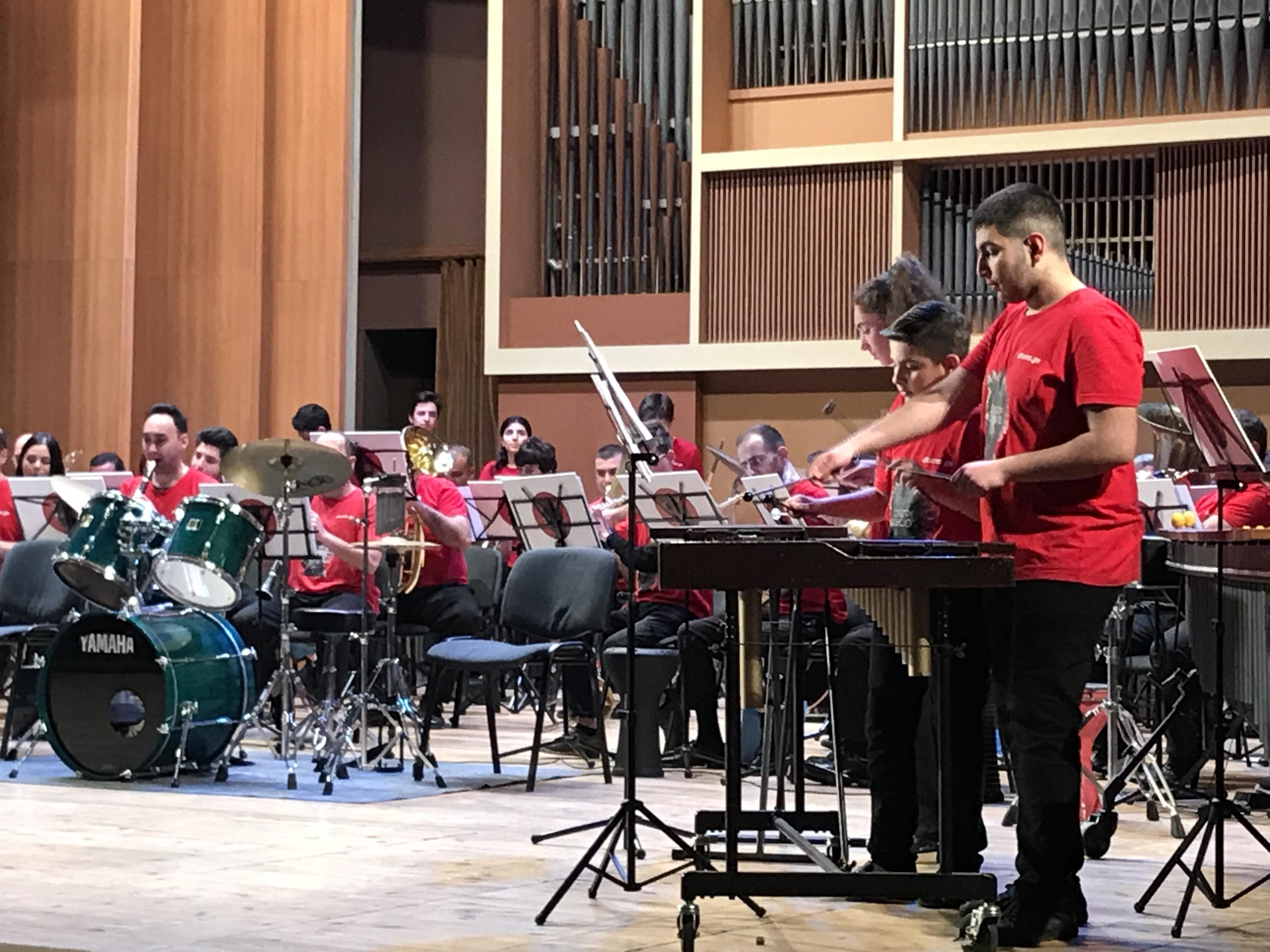 Школа барабанщиков в Тбилиси отметила юбилей уникальным концертом
