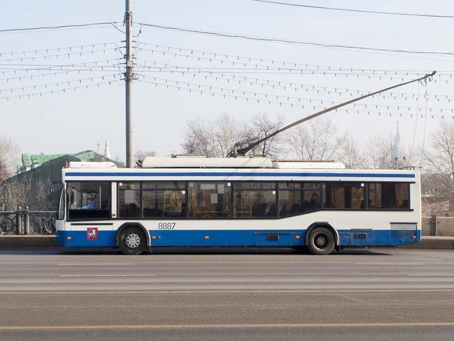 Возгорание втроллейбусе устранено, пострадавших нет— Мосгортранс