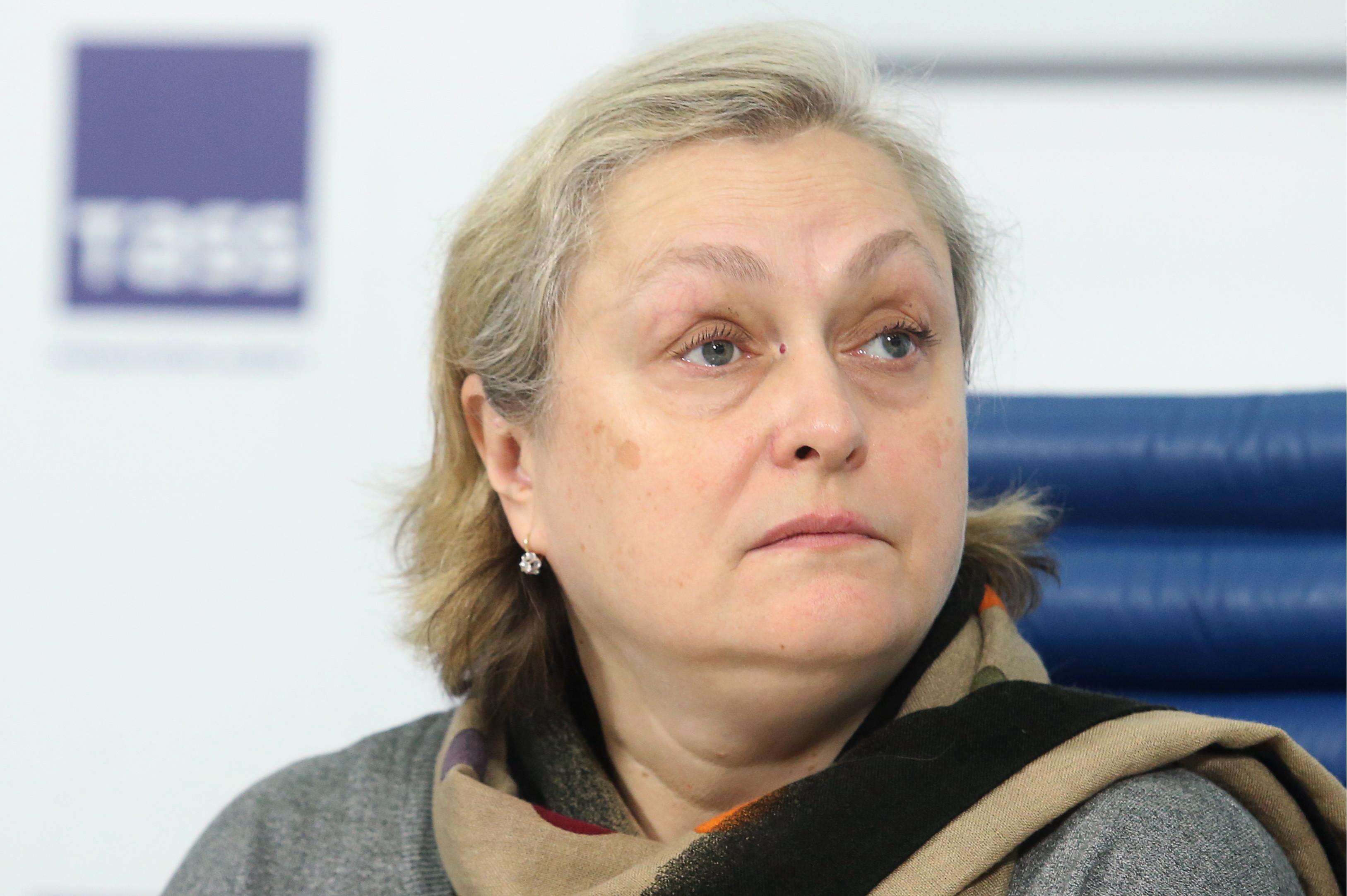 Вдове поэта Евтушенко вручена награда руководства РФ