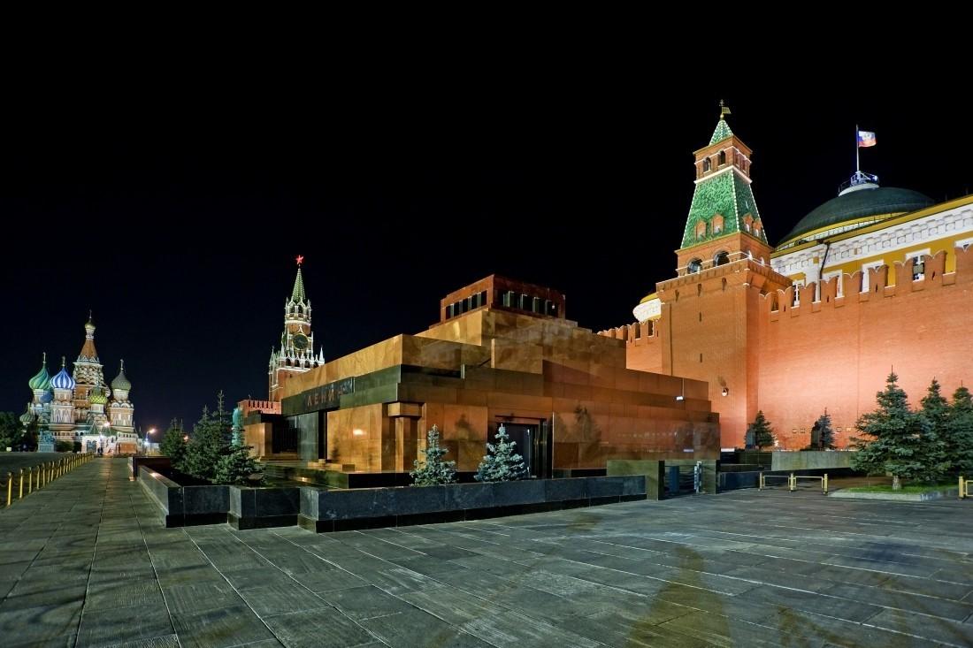 Московский Кремль временно закроют для посещения