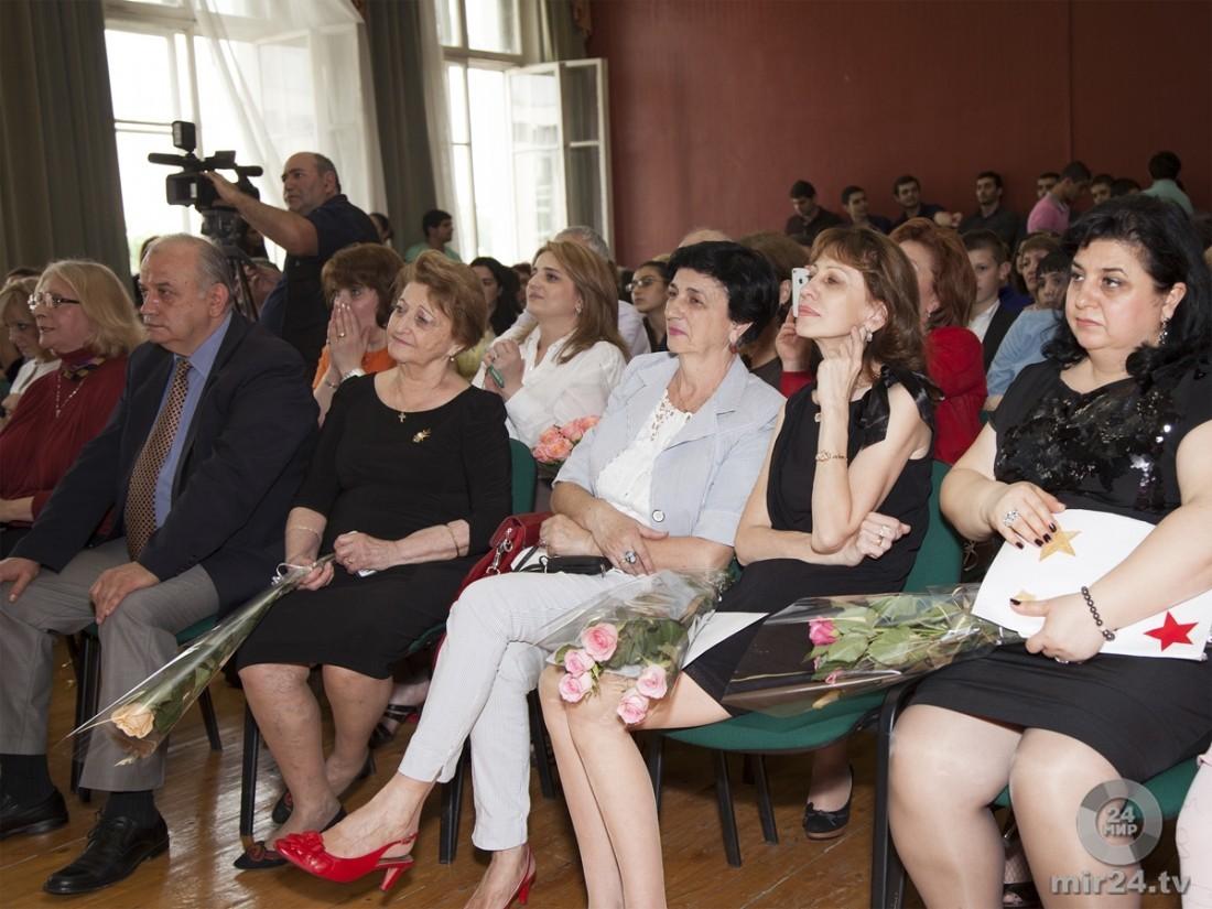 Шуточное поздравление выпускников родителями фото 788