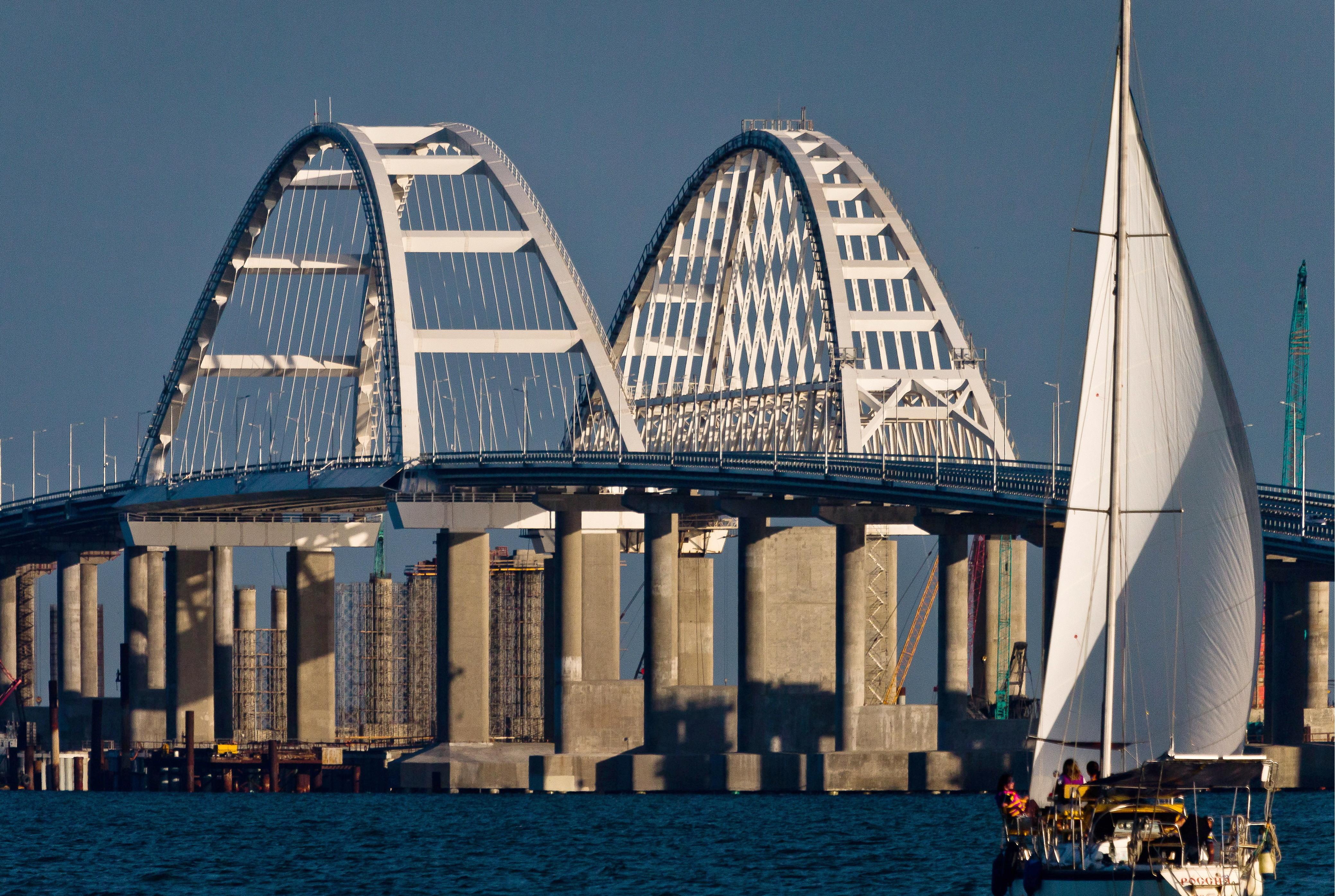 Свыше 2 млн машин проехало поКрымскому мосту с16мая