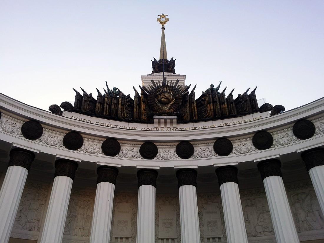 Собянин пообещал построить натерритории ВДНХ Диснейленд