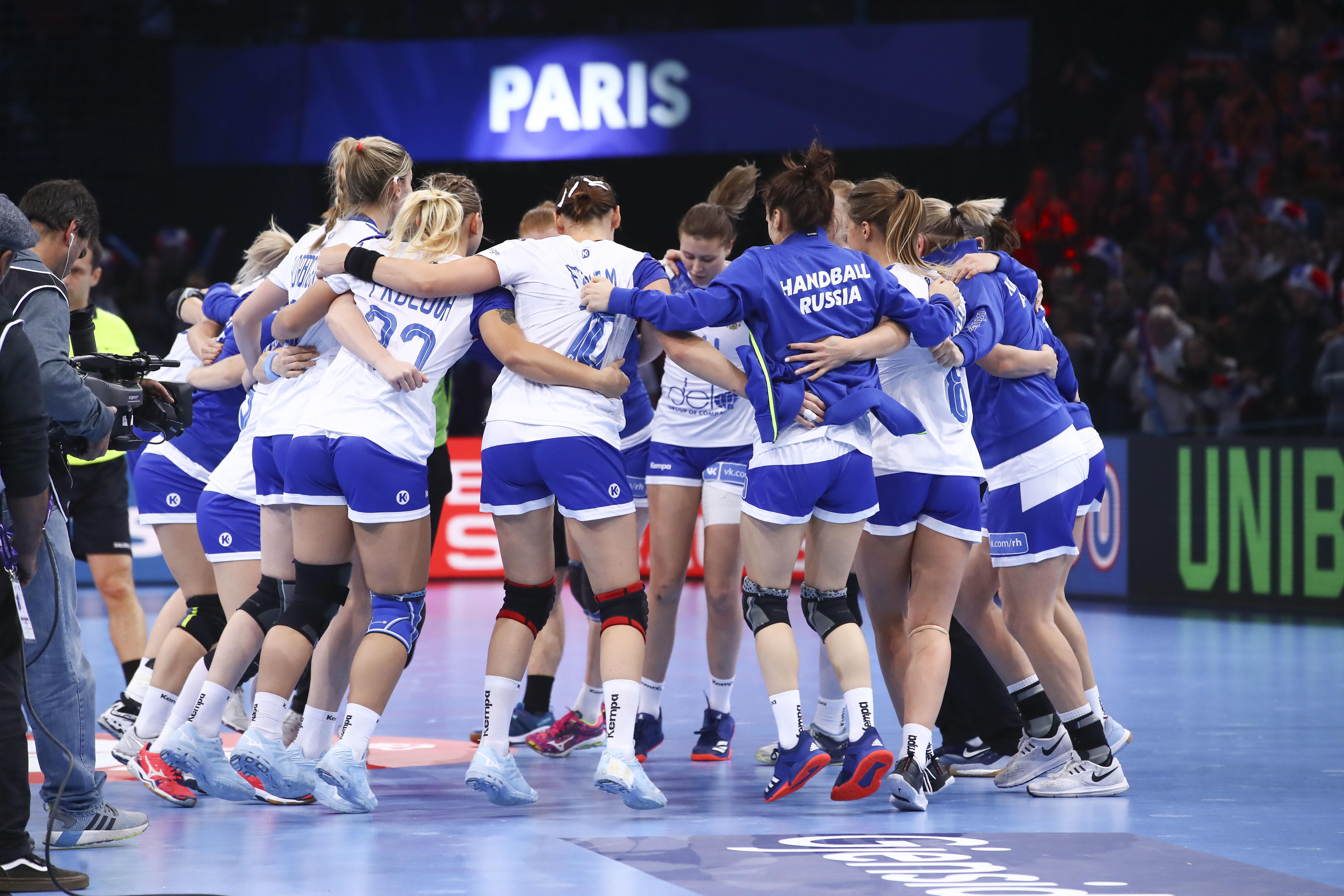 Русские гандболистки обыграли Румынию ивышли вфинал чемпионата Европы