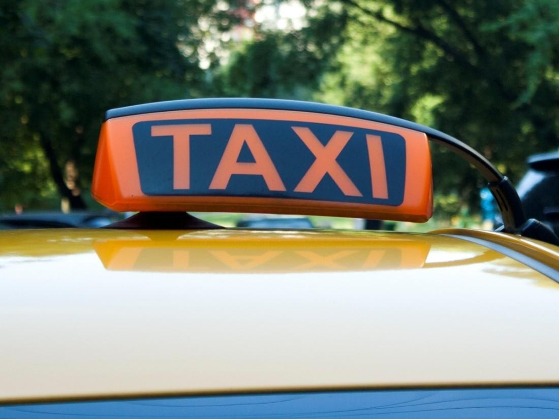 ВОмане женщины получат право водить такси