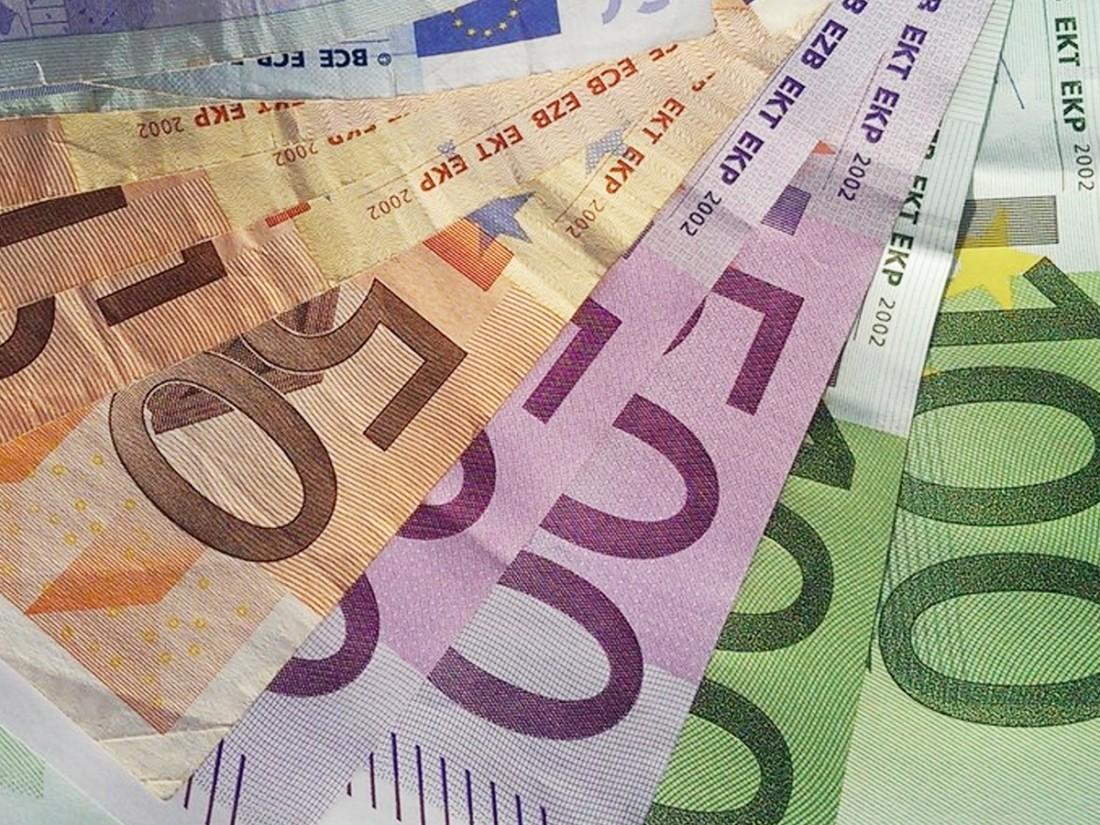 Принят закон овалютной заработной плате для работающих зарубежом граждан России