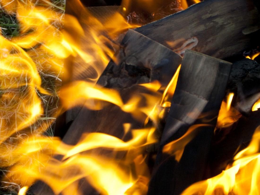 Неандертальцы делали деревянные орудия при помощи огня— Археологи
