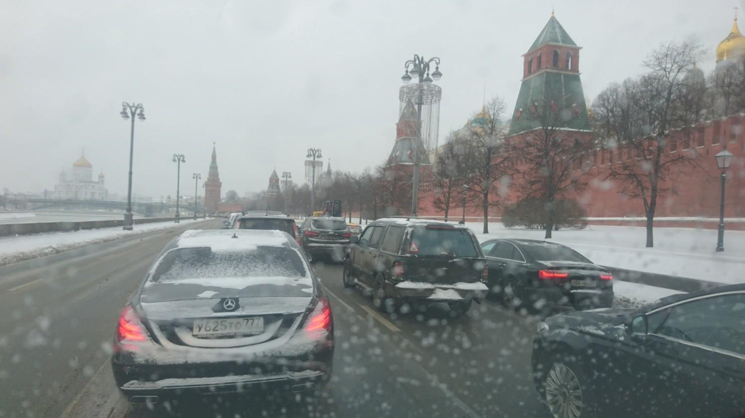 «Феноменальный» снегопад: в столице России выпадет практически месячная норма осадков