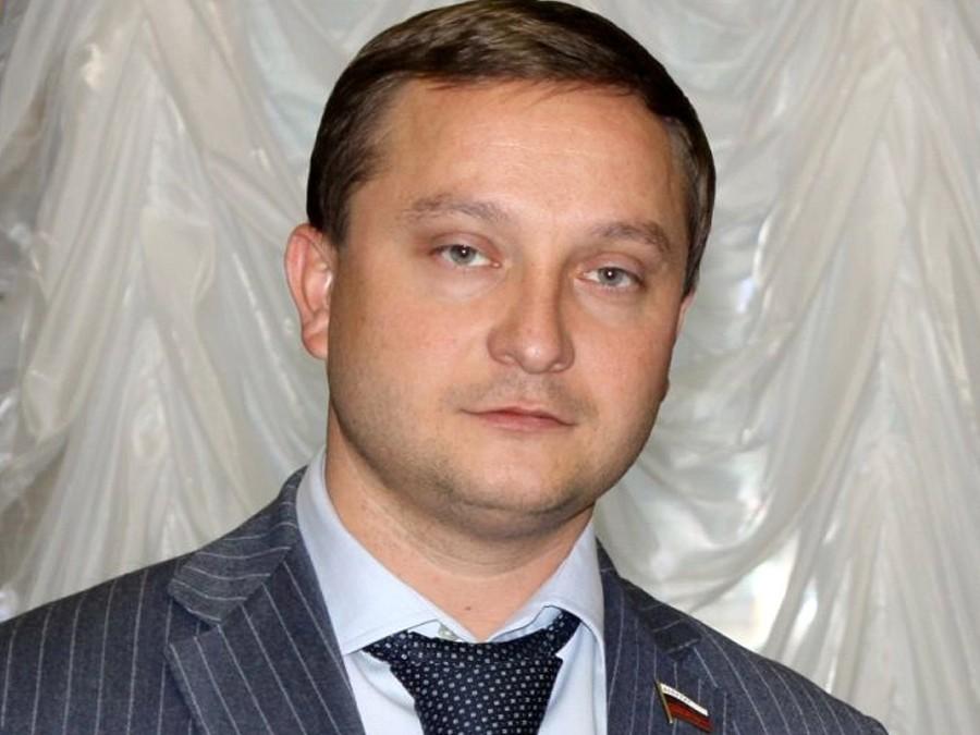 Кандидат впрезиденты Российской Федерации снялся свыборов впользу В. Путина