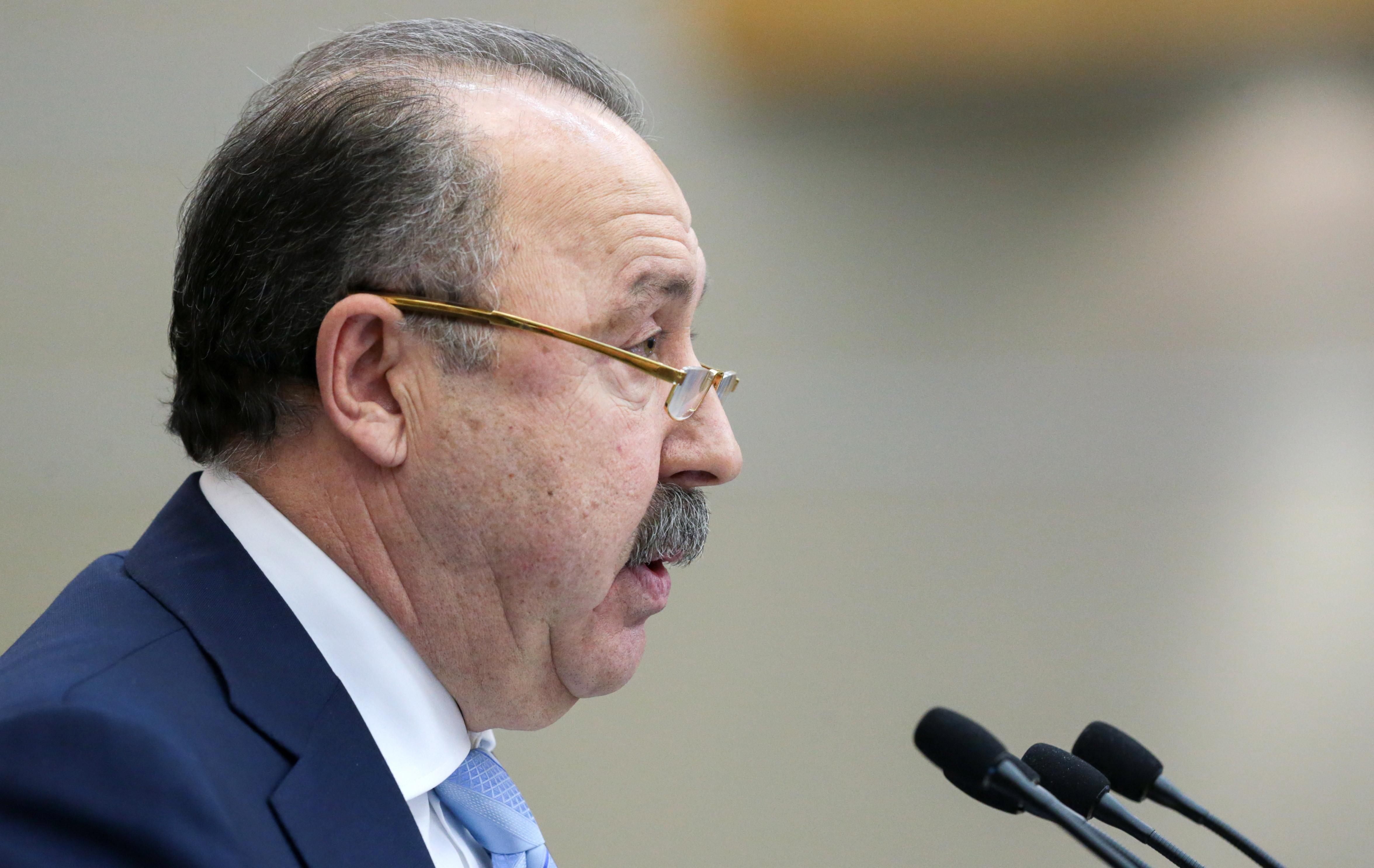 Сбрею усы, ежели РФ будет чемпионом мира— Валерий Газзаев