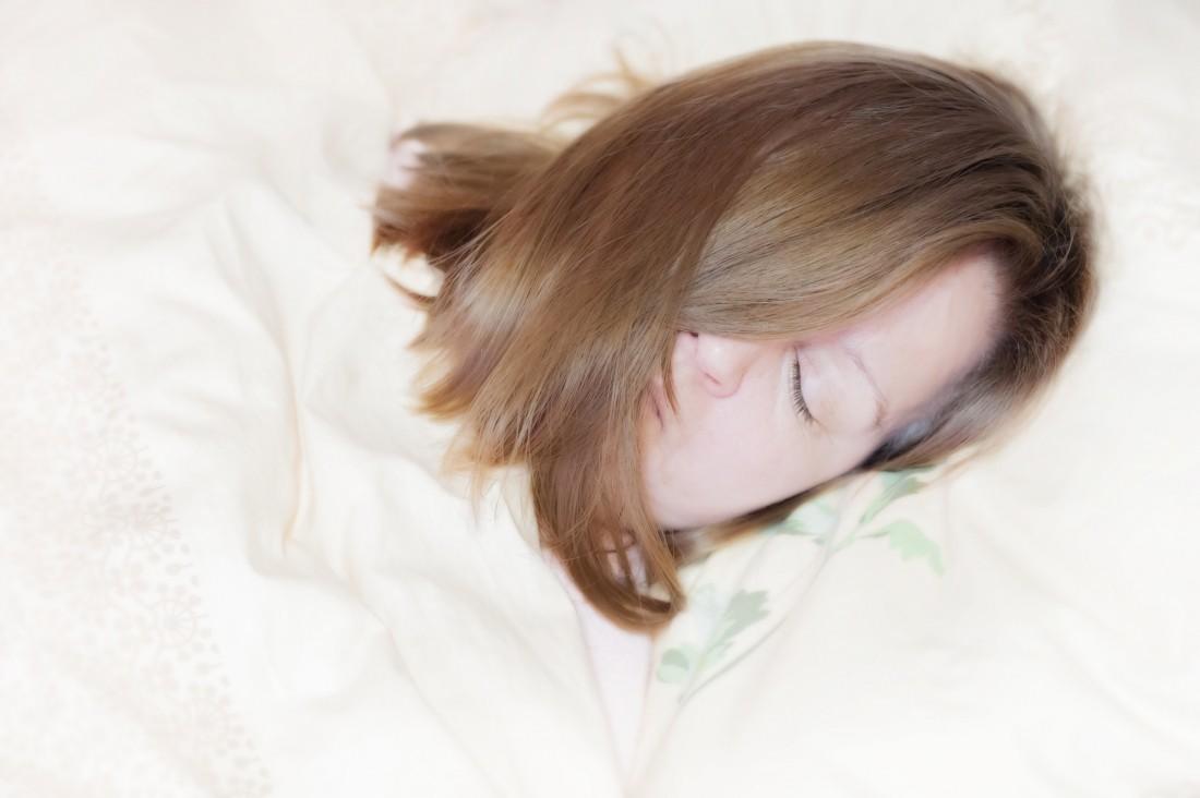 Люди, испытывающие сонливость днём, неменее  склонны кболезни Альцгеймера
