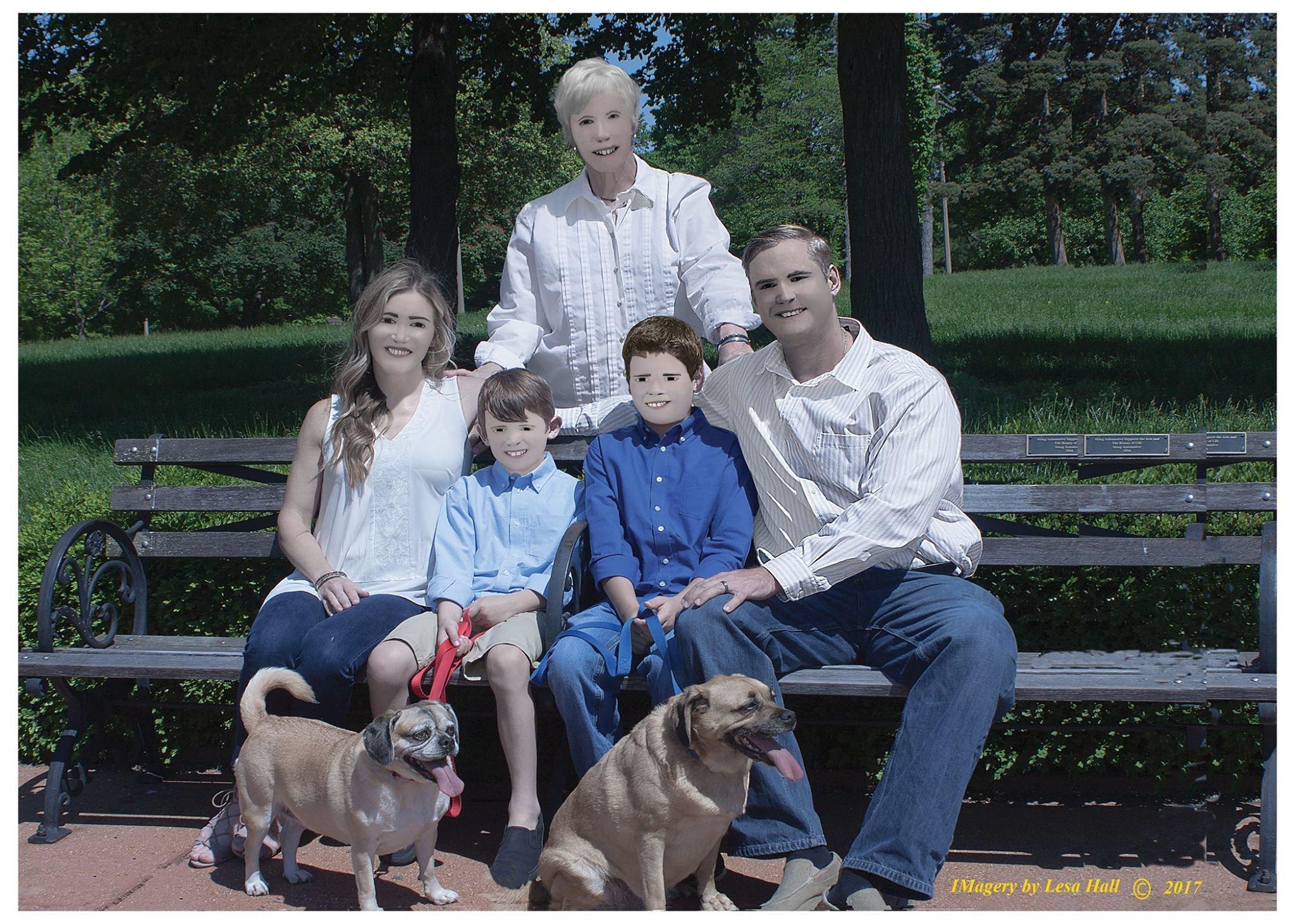Фотосессия американской семьи удивила пользователей сети
