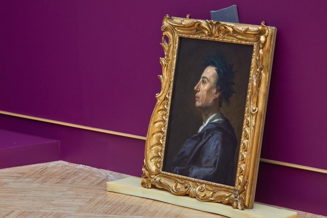 Москвич ввиде работникам музея пытался сбыть поддельные картины