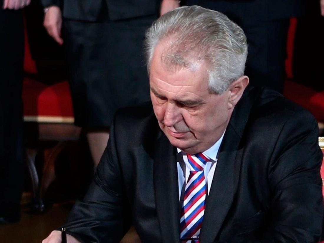 Выборы вЧехии: Земан победил впервом туре голосования
