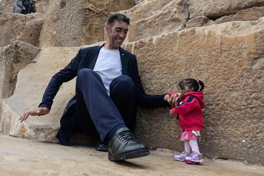ВЕгипте состоялась встреча наибольшего мужчины исамой маленькой женщины