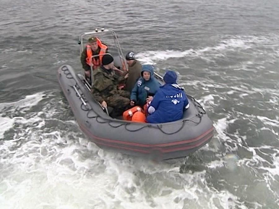 Непогода остановила поиски судна «Восток» вЯпонском море