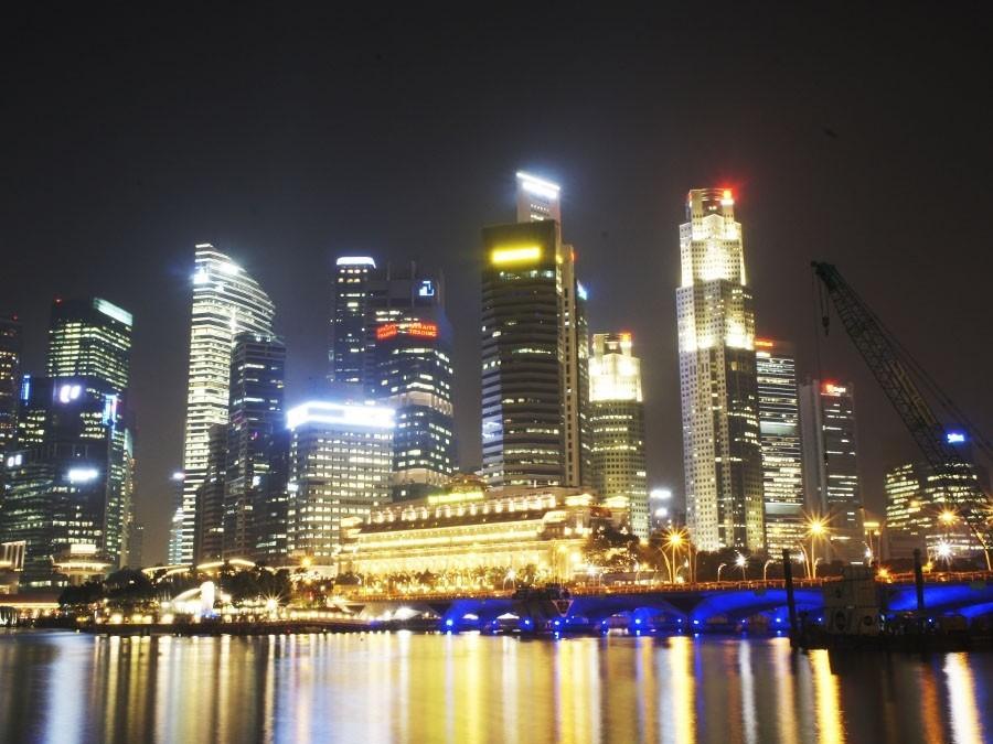 Мир 24 сингапур ночь