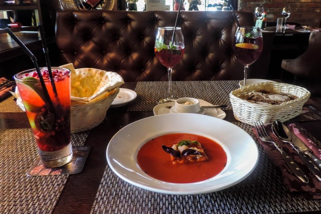 Вновогодние праздники жители России чаще посещали рестораны, чем магазины