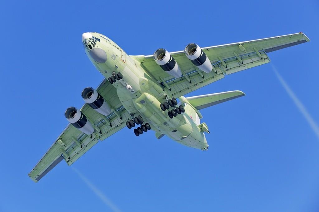 Многообещающий самолет-топливозаправщик Ил-78М-90А впервый раз поднялся ввоздух
