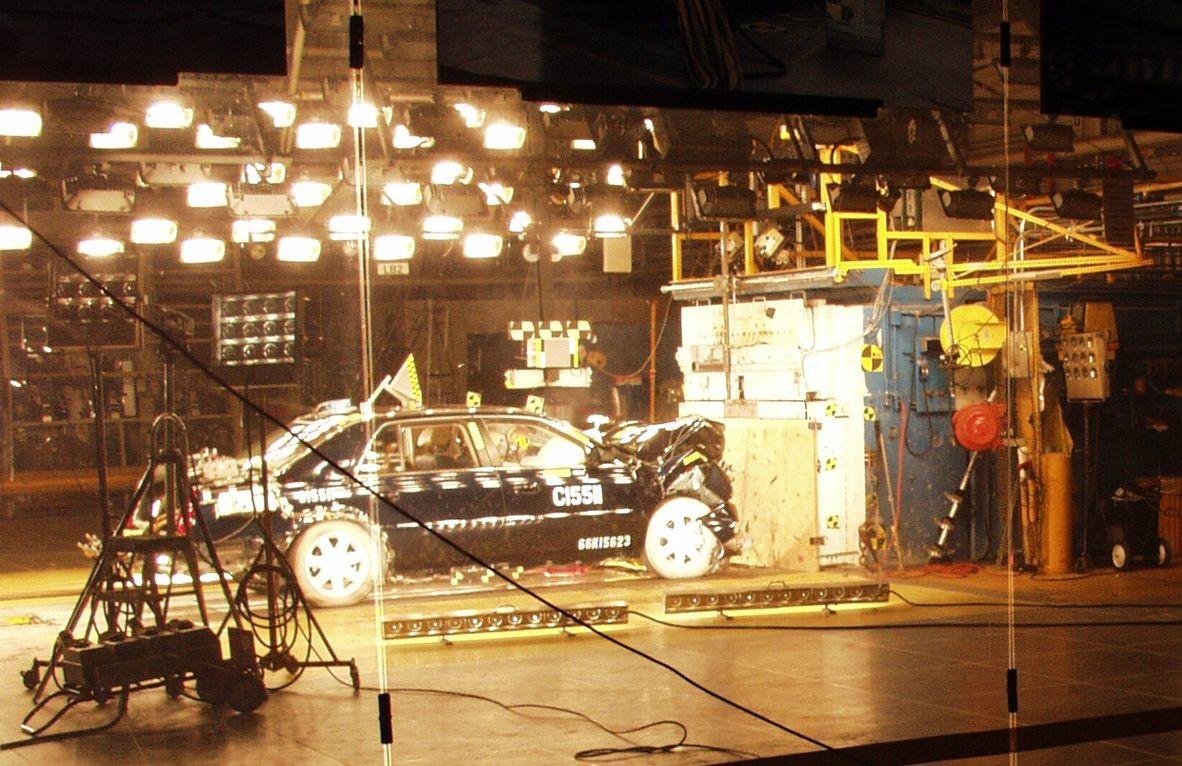 В РФ появится собственный метод краш-тестов авто