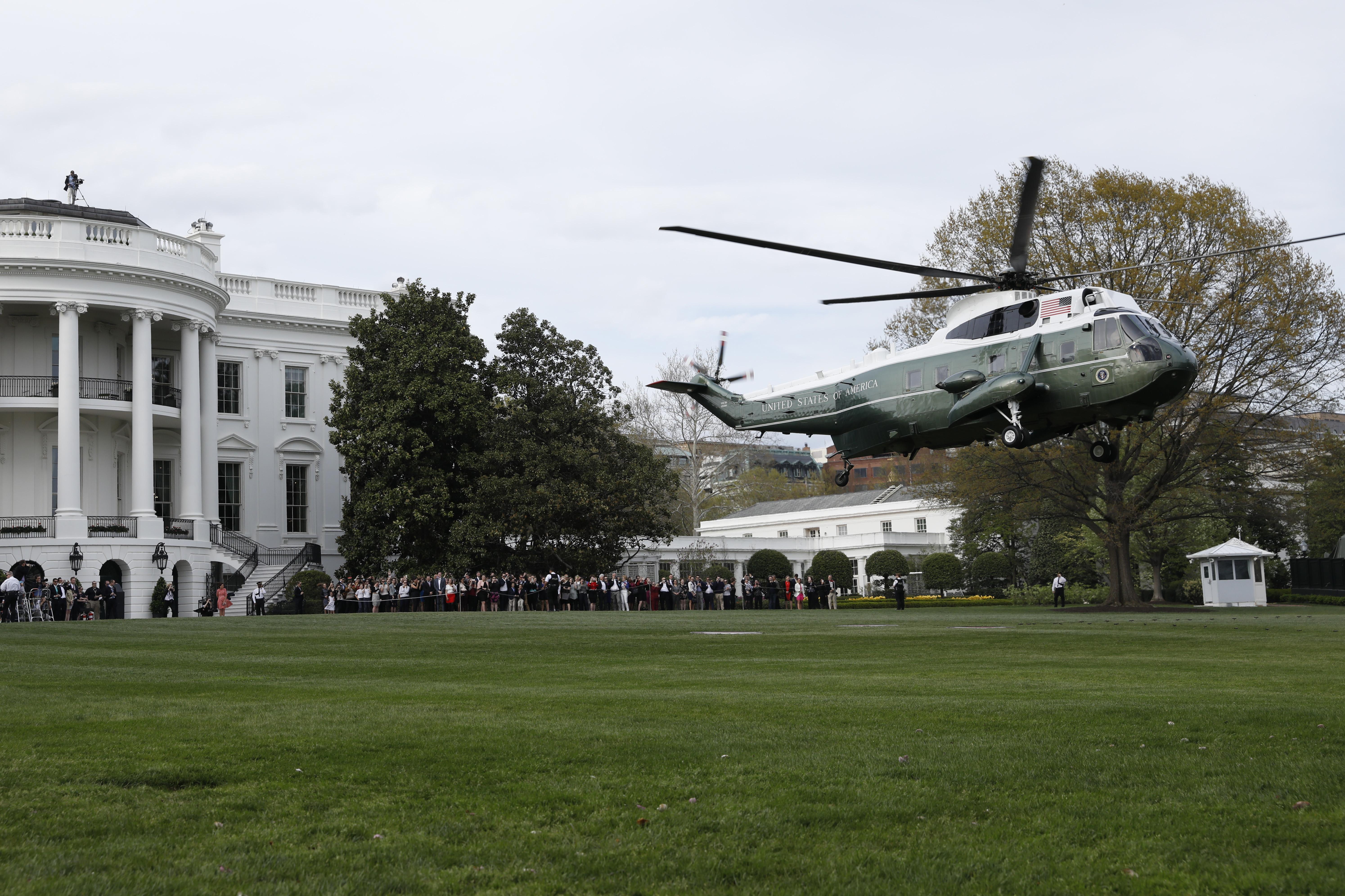 Трамп попал начужую свадьбу, приехав в собственный гольф