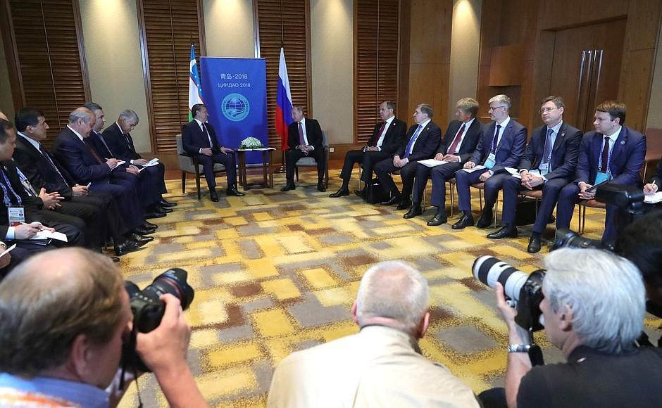 Путин и президент Монголии провели встречу на полях ШОС