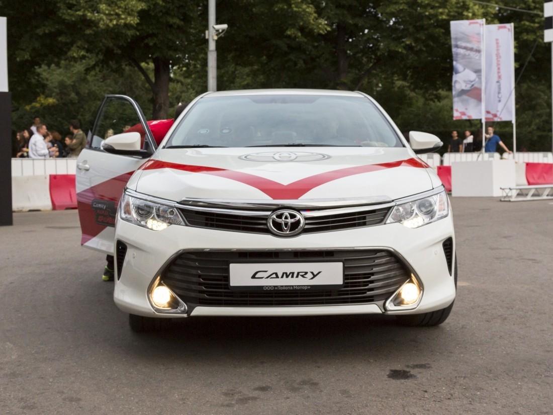 Жители России рассказалио характеристиках идеального автомобиля