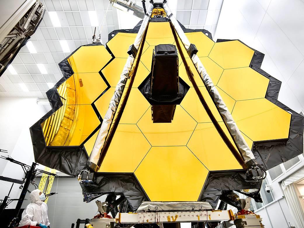 Запуск самого дорогого телескопа вновь отложен
