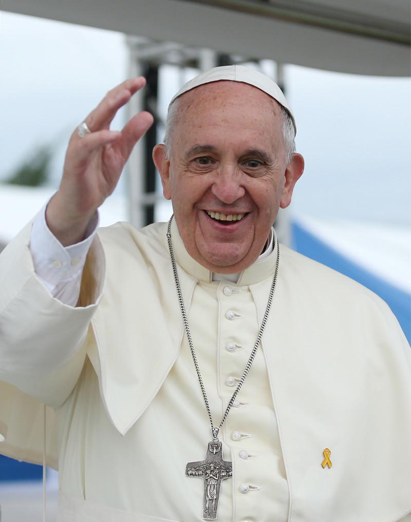 Папа Римский Франциск вПальмовое воскресенье призвал молодежь немолчать