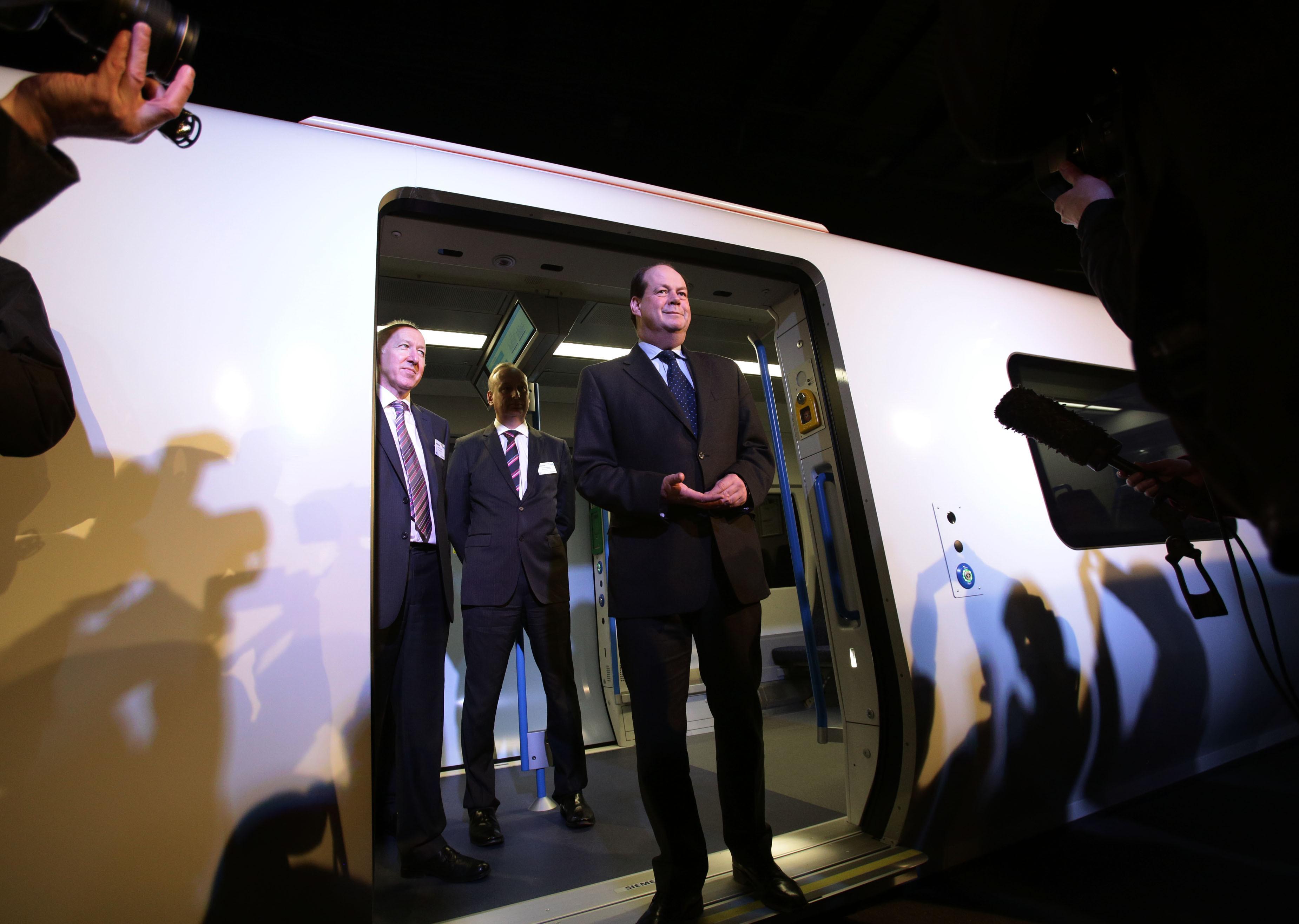 В Англии запустили 1-ый беспилотный пассажирский поезд