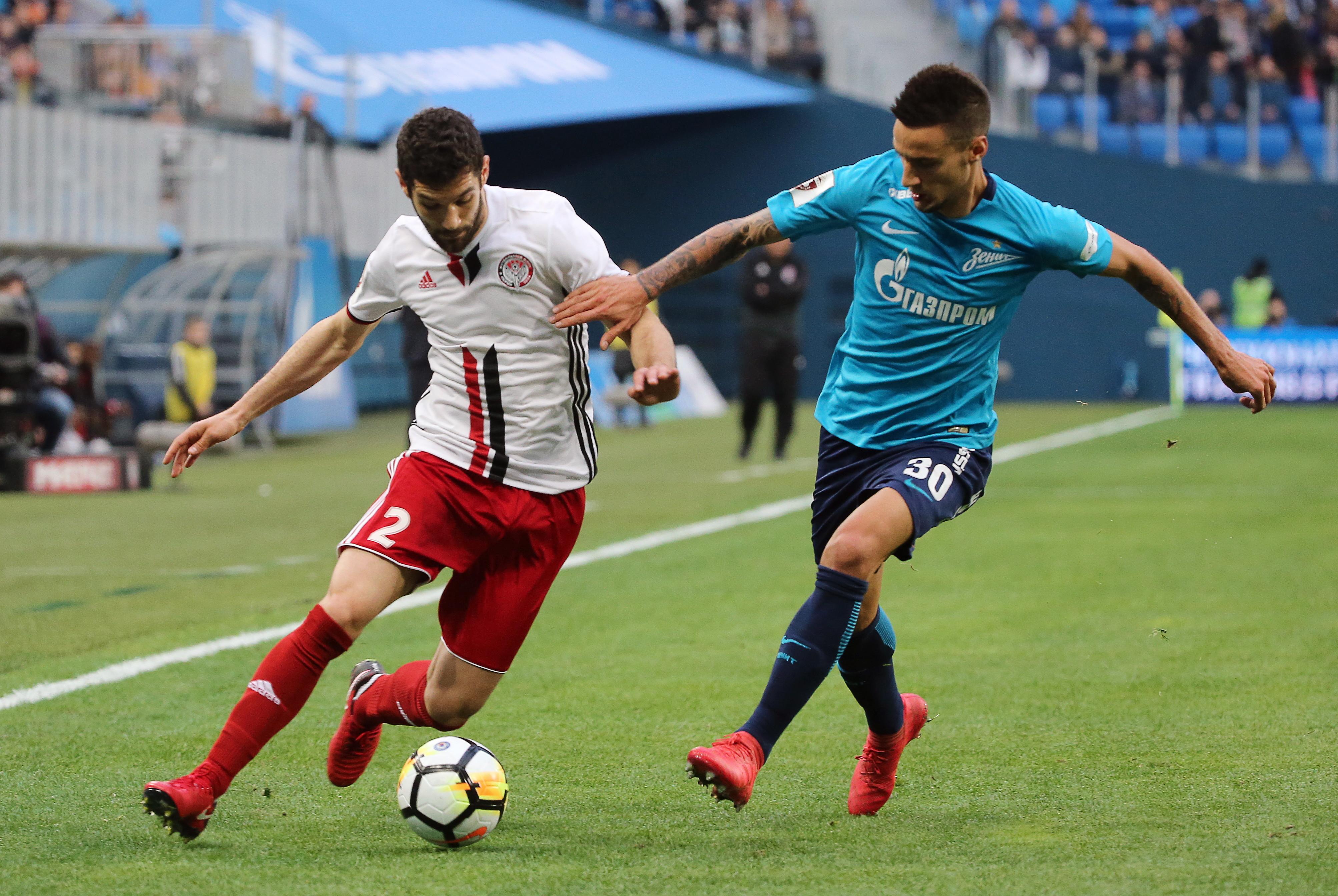 «Зенит» сыграл вничью с«Амкаром», заканчивая матч вдевятером