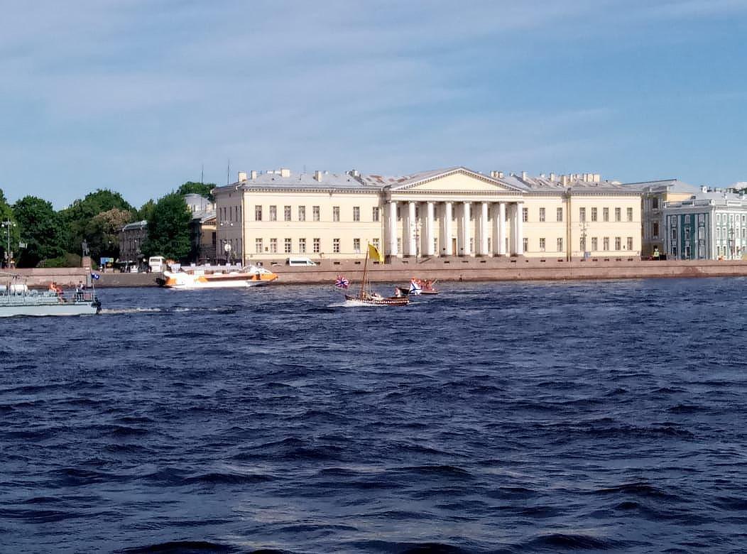 Слоны, барабанщики и «Полтава»: Петербург отмечает 315-летие