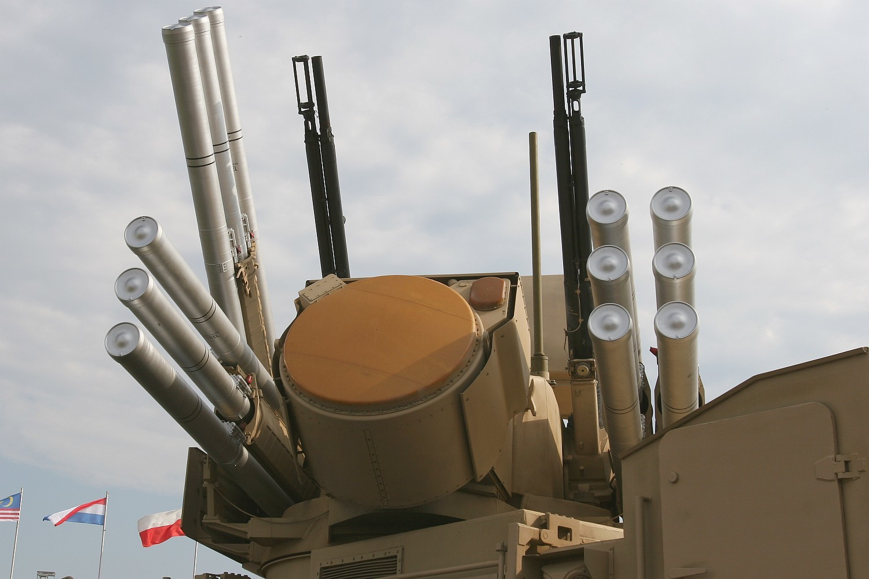 Путин призвал последовательно модернизировать иразвивать армию ифлот