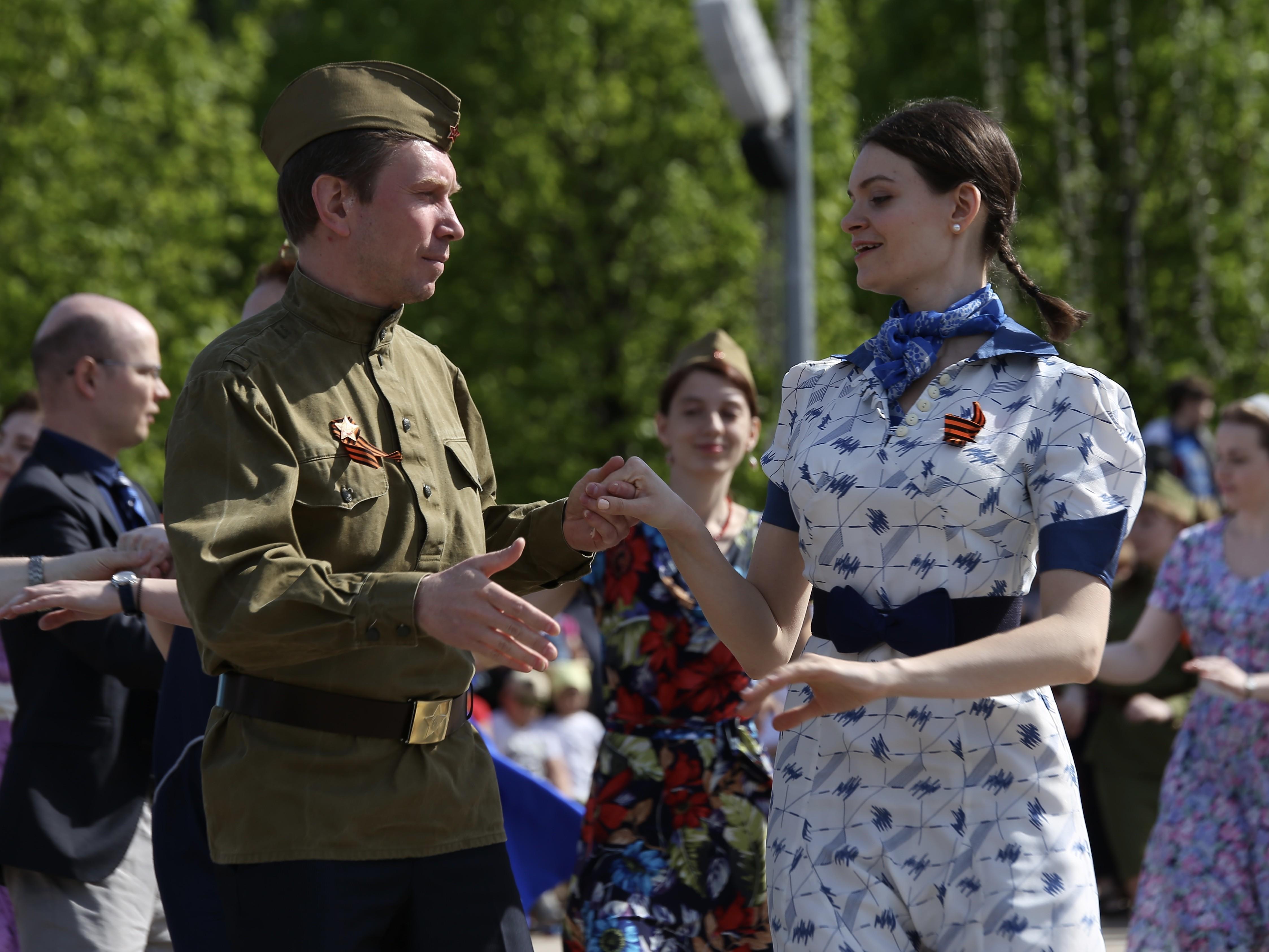 Рио-Рита в парке Горького: москвичей пригласили на Бал Победы