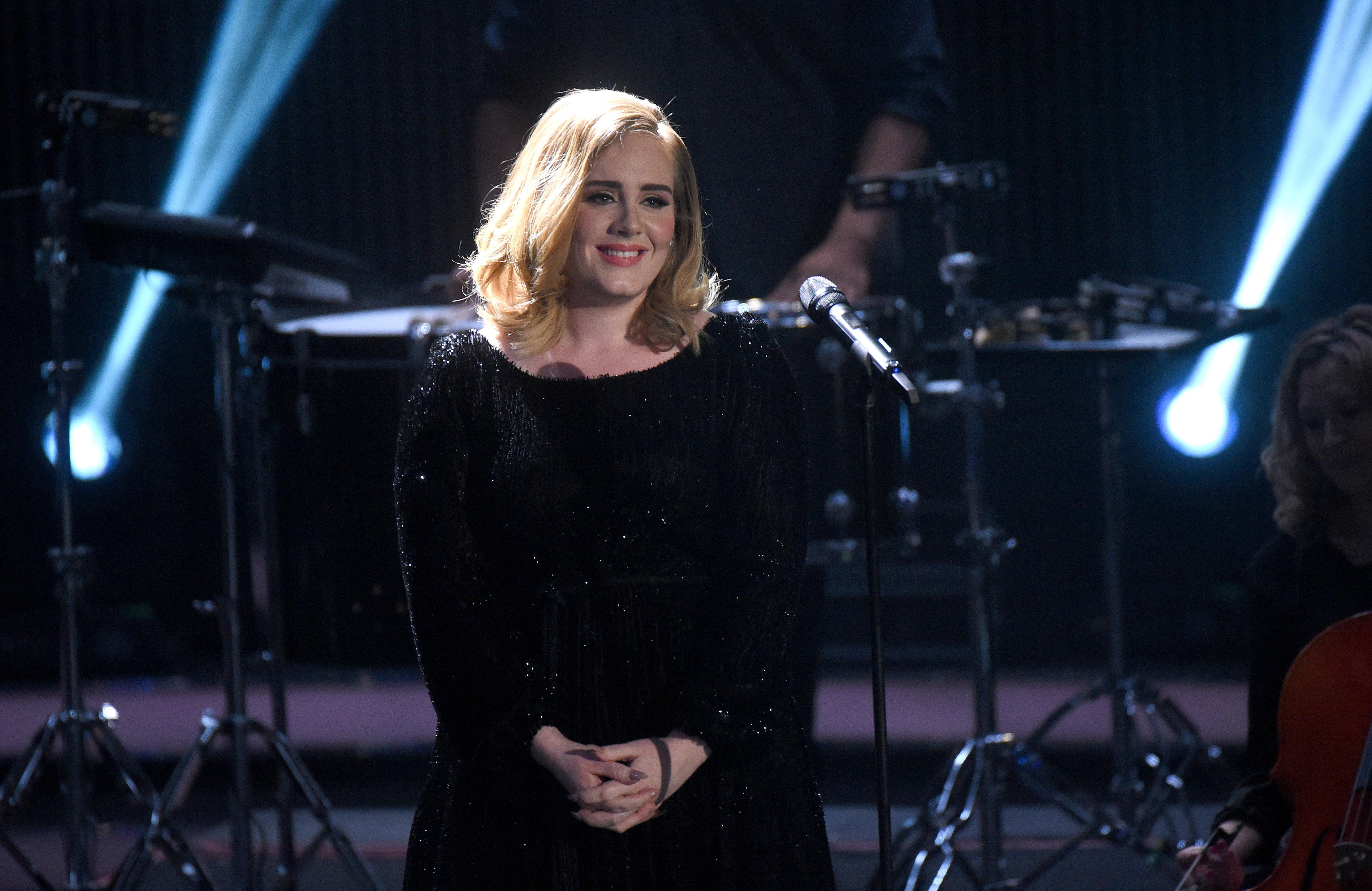 Известной английской эстрадной певице Адель исполняется 30 лет